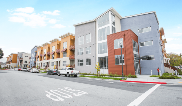 Mode-By-Alta-Apartments-San-Mateo-CA-Building-Exterior-09